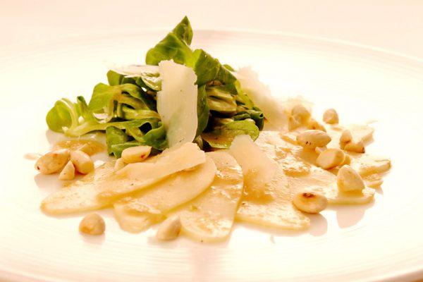 Birnencarpaccio mit Feldsalat und meinDressing BIRNE
