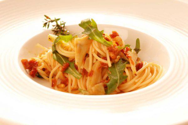 Spaghettinisalat mit getrockneten Tomaten, Artischocken und meinDressing TOMATE